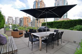 "Photo 1: 411 1225 RICHARDS Street in Vancouver: Yaletown Condo for sale in ""Eden"" (Vancouver West)  : MLS®# V1052342"