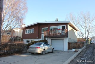 Photo 2: 143 DALHURST Way NW in CALGARY: Dalhousie Residential Detached Single Family for sale (Calgary)  : MLS®# C3604206