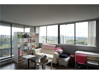 """Photo 2: 2208 9521 CARDSTON Court in Burnaby: Government Road Condo for sale in """"CONCORD PLACE"""" (Burnaby North)  : MLS®# V1055496"""