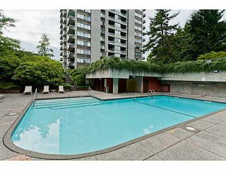 """Photo 14: 2208 9521 CARDSTON Court in Burnaby: Government Road Condo for sale in """"CONCORD PLACE"""" (Burnaby North)  : MLS®# V1055496"""