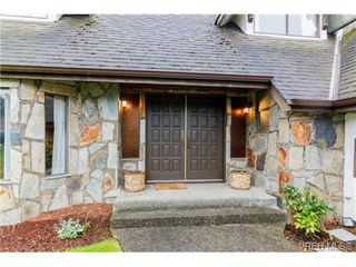 Photo 3: 1055 Damelart Way in BRENTWOOD BAY: CS Brentwood Bay Single Family Detached for sale (Central Saanich)  : MLS®# 697420