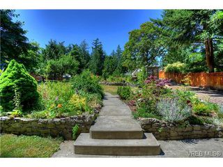 Photo 18: 8650 East Saanich Rd in NORTH SAANICH: NS Dean Park House for sale (North Saanich)  : MLS®# 704797