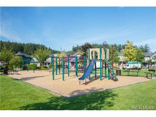 Photo 18: 108 Thetis Vale Crescent in VICTORIA: VR Six Mile Single Family Detached for sale (View Royal)  : MLS®# 354105