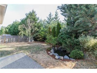 Photo 17: 108 Thetis Vale Crescent in VICTORIA: VR Six Mile Single Family Detached for sale (View Royal)  : MLS®# 354105