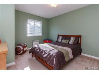 Photo 13: 108 Thetis Vale Cres in VICTORIA: VR Six Mile Single Family Detached for sale (View Royal)  : MLS®# 707982