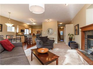 Photo 8: 108 Thetis Vale Cres in VICTORIA: VR Six Mile Single Family Detached for sale (View Royal)  : MLS®# 707982