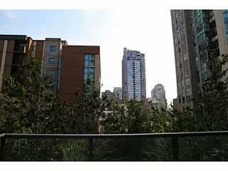 "Photo 12: 305 1189 HOWE Street in Vancouver: Downtown VW Condo for sale in ""THE GENESIS"" (Vancouver West)  : MLS®# V1138667"