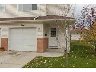 Photo 2: 224 7038 16 Avenue SE in Calgary: Applewood Park House for sale : MLS®# C4035476