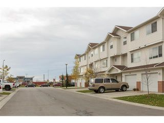 Photo 16: 224 7038 16 Avenue SE in Calgary: Applewood Park House for sale : MLS®# C4035476