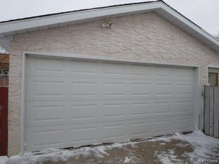 Photo 2: 22 Galbraith Crescent in WINNIPEG: Westwood / Crestview Residential for sale (West Winnipeg)  : MLS®# 1530607