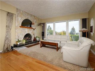 Photo 2: 7985 See Sea Pl in SAANICHTON: CS Saanichton House for sale (Central Saanich)  : MLS®# 727017