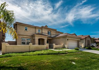 Photo 2: OCEANSIDE House for sale : 5 bedrooms : 3207 Toopal Drive