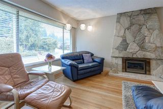 Photo 2: 660 FLORENCE Street in Coquitlam: Coquitlam West House for sale : MLS®# R2096799