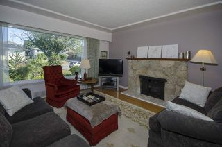 Photo 2: 1578 E 58TH Avenue in Vancouver: Fraserview VE House for sale (Vancouver East)  : MLS®# R2101861