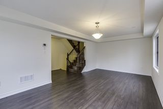 Photo 5: 8 Quillberry Close in Brampton: Northwest Brampton House (3-Storey) for lease : MLS®# W3643986