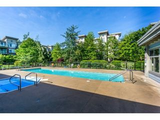 """Photo 15: 420 10180 153RD Street in Surrey: Guildford Condo for sale in """"charlton park"""" (North Surrey)  : MLS®# R2136806"""