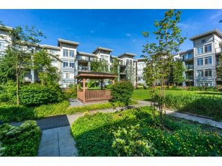 """Photo 13: 420 10180 153RD Street in Surrey: Guildford Condo for sale in """"charlton park"""" (North Surrey)  : MLS®# R2136806"""