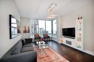 "Photo 9: 1203 150 W 15TH Street in North Vancouver: Central Lonsdale Condo for sale in ""15 WEST"" : MLS®# R2149375"