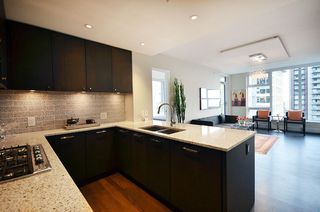"Photo 4: 1203 150 W 15TH Street in North Vancouver: Central Lonsdale Condo for sale in ""15 WEST"" : MLS®# R2149375"