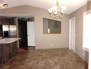 Photo 14: 71 APPLEMEAD Close SE in Calgary: Applewood Park House for sale : MLS®# C4109601
