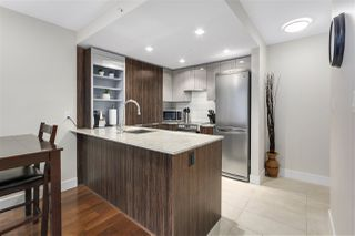"""Photo 2: 620 1088 RICHARDS Street in Vancouver: Yaletown Condo for sale in """"RICHARDS LIVING"""" (Vancouver West)  : MLS®# R2154571"""