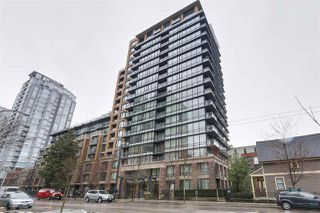 """Photo 1: 620 1088 RICHARDS Street in Vancouver: Yaletown Condo for sale in """"RICHARDS LIVING"""" (Vancouver West)  : MLS®# R2154571"""