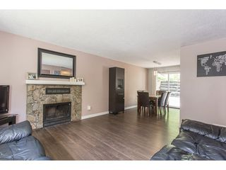 Photo 5: 2403 CAMERON Crescent in Abbotsford: Abbotsford East House for sale : MLS®# R2183753