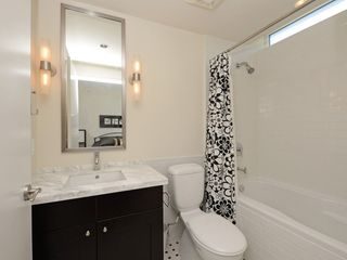 """Photo 9: 1306 821 CAMBIE Street in Vancouver: Downtown VW Condo for sale in """"RAFFLES ON ROBSON"""" (Vancouver West)  : MLS®# R2186091"""