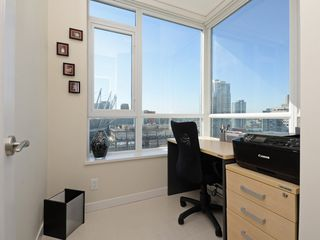"""Photo 12: 1306 821 CAMBIE Street in Vancouver: Downtown VW Condo for sale in """"RAFFLES ON ROBSON"""" (Vancouver West)  : MLS®# R2186091"""