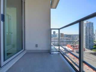 """Photo 14: 1306 821 CAMBIE Street in Vancouver: Downtown VW Condo for sale in """"RAFFLES ON ROBSON"""" (Vancouver West)  : MLS®# R2186091"""