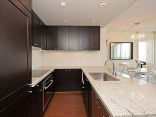 """Photo 4: 1306 821 CAMBIE Street in Vancouver: Downtown VW Condo for sale in """"RAFFLES ON ROBSON"""" (Vancouver West)  : MLS®# R2186091"""