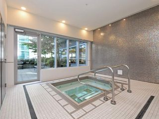 """Photo 17: 1306 821 CAMBIE Street in Vancouver: Downtown VW Condo for sale in """"RAFFLES ON ROBSON"""" (Vancouver West)  : MLS®# R2186091"""