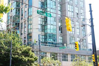 "Photo 10: 707 1188 HOWE Street in Vancouver: Downtown VW Condo for sale in ""1188 HOWE"" (Vancouver West)  : MLS®# R2189781"