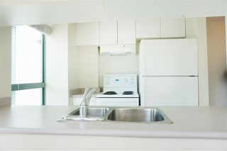 "Photo 5: 707 1188 HOWE Street in Vancouver: Downtown VW Condo for sale in ""1188 HOWE"" (Vancouver West)  : MLS®# R2189781"