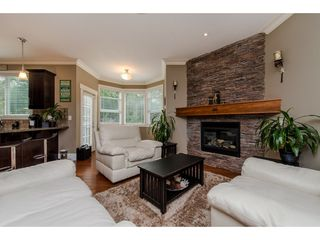 "Photo 4: 4400 MEIGHEN Place in Abbotsford: Abbotsford East House for sale in ""AUGUSTON"" : MLS®# R2198577"