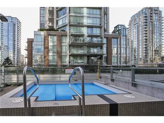 Photo 2: # 2703 565 SMITHE ST in Vancouver: Downtown VW Condo for sale (Vancouver West)  : MLS®# V1138496