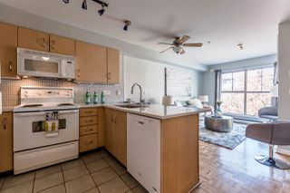 "Photo 1: 311 332 LONSDALE Avenue in North Vancouver: Lower Lonsdale Condo for sale in ""The Calypso"" : MLS®# R2214672"
