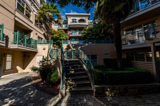 "Photo 18: 311 332 LONSDALE Avenue in North Vancouver: Lower Lonsdale Condo for sale in ""The Calypso"" : MLS®# R2214672"