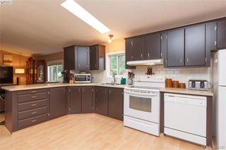 Photo 6: 201 2779 Stautw Rd in SAANICHTON: CS Hawthorne Manufactured Home for sale (Central Saanich)  : MLS®# 774373