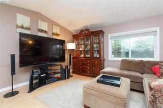 Photo 2: 201 2779 Stautw Rd in SAANICHTON: CS Hawthorne Manufactured Home for sale (Central Saanich)  : MLS®# 774373