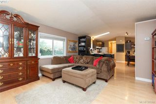 Photo 3: 201 2779 Stautw Rd in SAANICHTON: CS Hawthorne Manufactured Home for sale (Central Saanich)  : MLS®# 774373