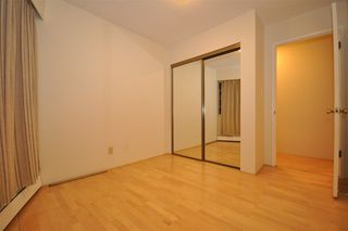 "Photo 9: 104 2190 W 8TH Avenue in Vancouver: Kitsilano Condo for sale in ""WESTWOOD VILLA"" (Vancouver West)  : MLS®# R2227406"