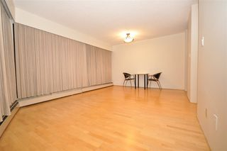 "Photo 3: 104 2190 W 8TH Avenue in Vancouver: Kitsilano Condo for sale in ""WESTWOOD VILLA"" (Vancouver West)  : MLS®# R2227406"