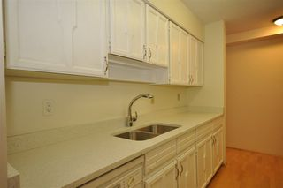 "Photo 7: 104 2190 W 8TH Avenue in Vancouver: Kitsilano Condo for sale in ""WESTWOOD VILLA"" (Vancouver West)  : MLS®# R2227406"