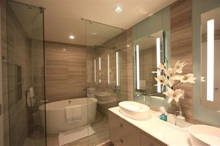 """Photo 7: 6302 1151 W GEORGIA Street in Vancouver: Coal Harbour Condo for sale in """"TRUMP TOWER"""" (Vancouver West)  : MLS®# R2232841"""