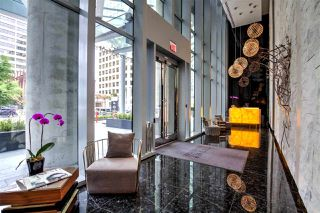 """Photo 12: 6302 1151 W GEORGIA Street in Vancouver: Coal Harbour Condo for sale in """"TRUMP TOWER"""" (Vancouver West)  : MLS®# R2232841"""