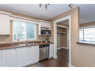 "Photo 5: 203 2526 LAKEVIEW Crescent in Abbotsford: Central Abbotsford Condo for sale in ""Mill Spring Manor"" : MLS®# R2235722"