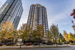 Photo 3: 708 550 PACIFIC Street in Vancouver: Yaletown Condo for sale (Vancouver West)  : MLS®# R2253801