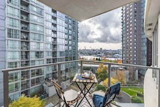 Photo 4: 708 550 PACIFIC Street in Vancouver: Yaletown Condo for sale (Vancouver West)  : MLS®# R2253801