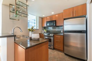Photo 9: 708 550 PACIFIC Street in Vancouver: Yaletown Condo for sale (Vancouver West)  : MLS®# R2253801